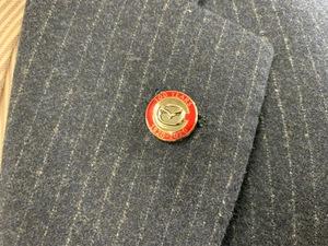 マツダ創立100周年記念ピンバッヂを発見。そこに込められた思いとは