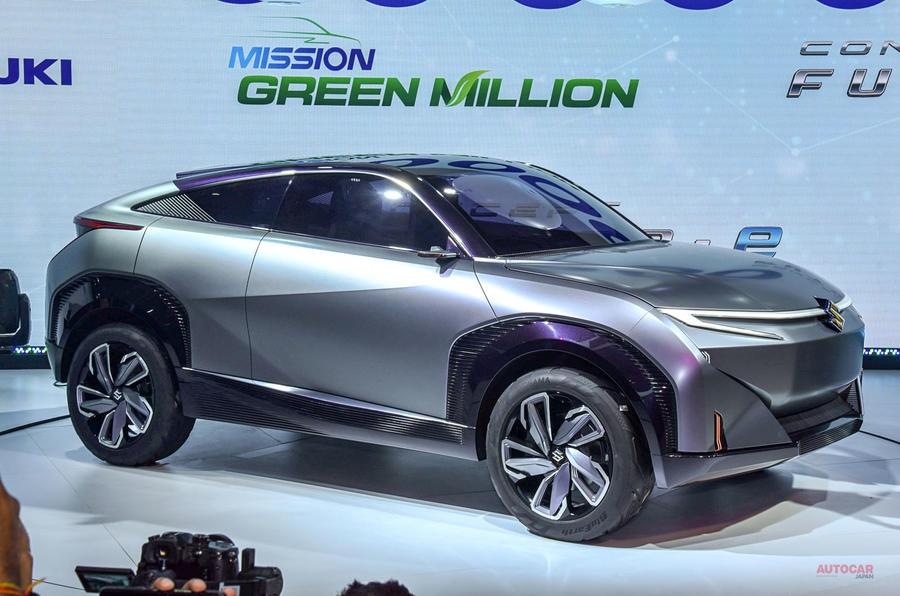 【新型SUVクーペか】スズキのEVコンセプト「フュートゥロe」を撮影 ニューデリー・モーターショー2020