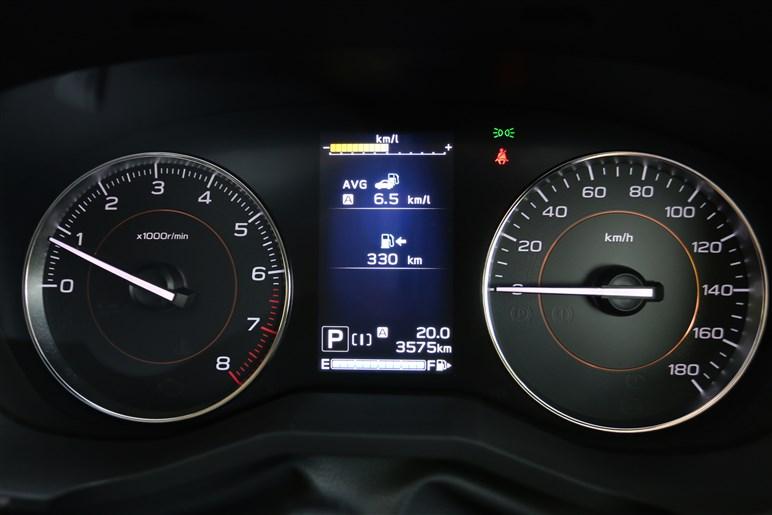 XVを買い替え目線で300km試乗。感じたスバルの真面目さゆえのジレンマ