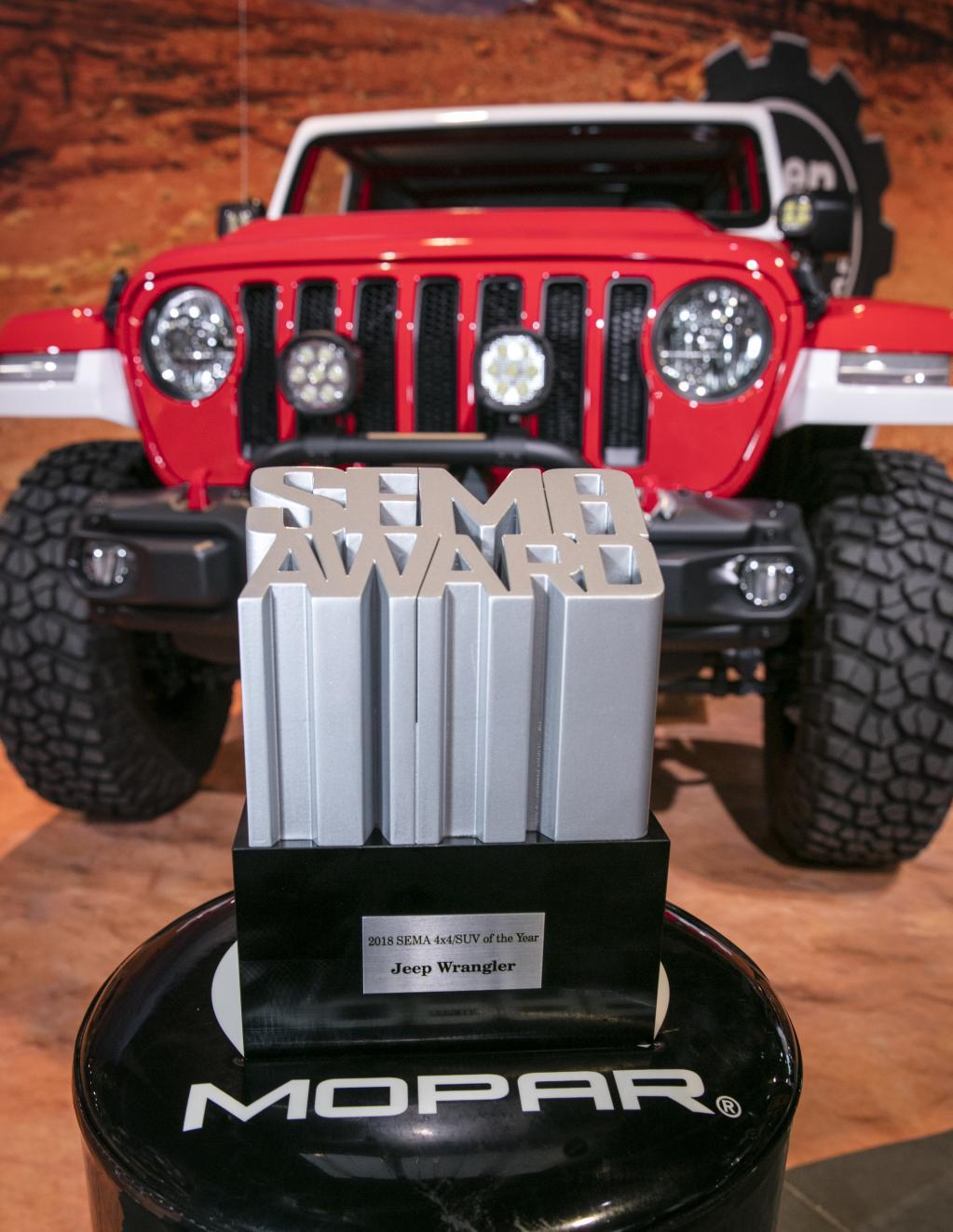新型ラングラー、SEMAショーで年間最優秀4X4/SUV賞を受賞