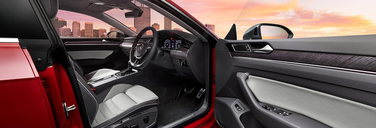 オシャレな3色のシートカラーを追加したVWアルテオンの新グレード「エレガンス」が登場