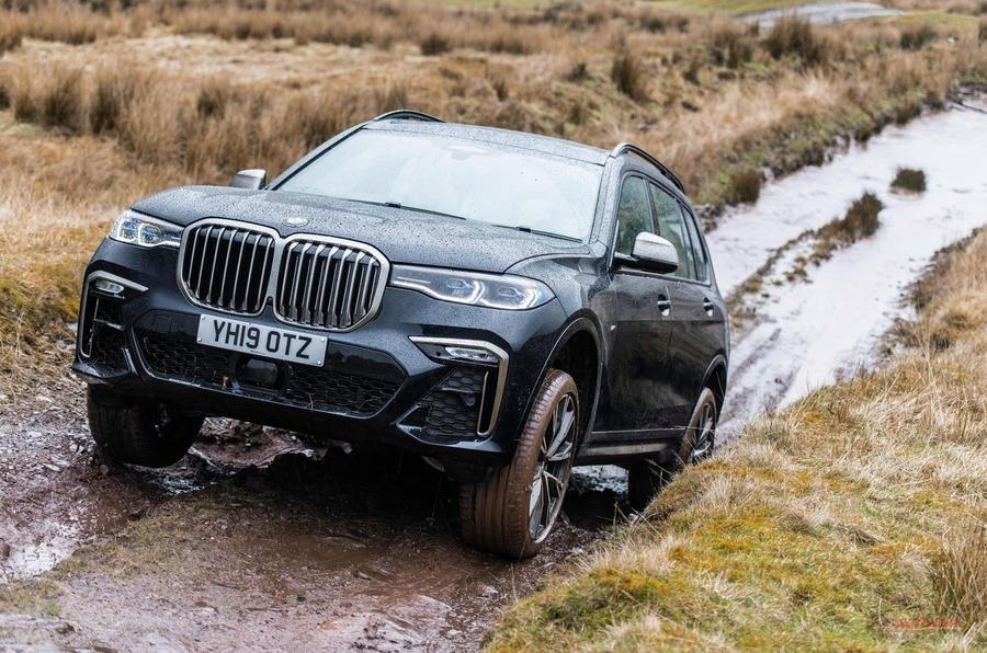 試乗 BMW X7 xドライブ30d 英国で評価 インテリアは上質 X5に近い組成