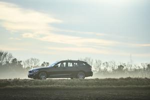 実用車の鏡~BMW 320d xDriveセダン&ツーリング試乗記