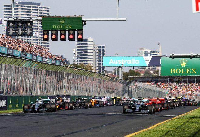 F1バーチャルGPをサッシャの日本語実況で見よう! DAZNが『Re-LIVE』配信を開始