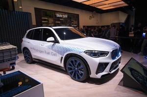 【少量生産のパイロットモデル】BMW X5水素燃料電池モデル、2022年発売 量産は5~10年後 欧州