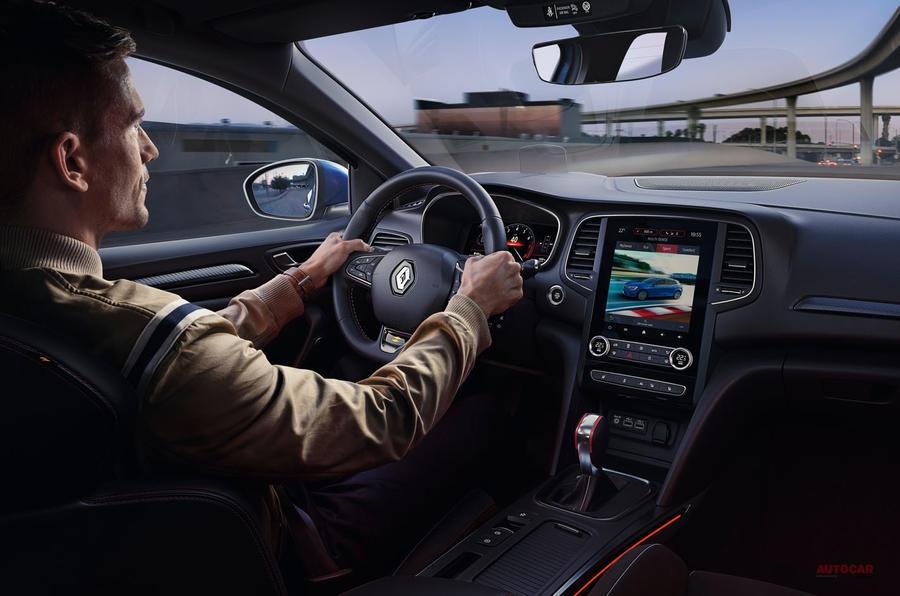 【R.S.が300psに】ルノー改良新型メガーヌ、欧州発表 プラグイン・ハイブリッド「Eテック」登場