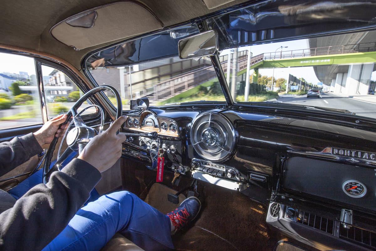 普段使いもこなす、トヨタ・マジェスタの心臓部を移植した50'sポンティアック