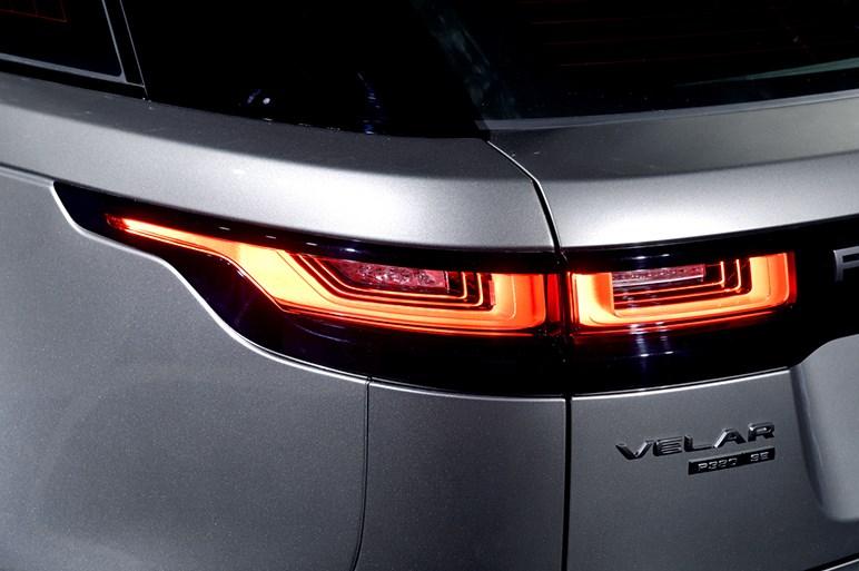 4つ目のレンジローバー「ヴェラール」が、ラグジュアリーSUVの未来を示す