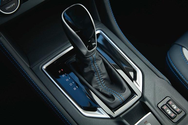 スバル、初のプラグインハイブリッド車 クロストレック ハイブリッドを発表