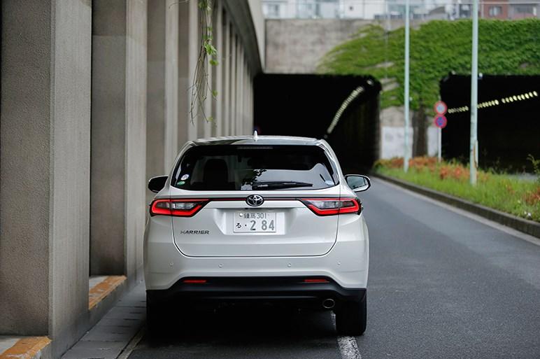 日本独自のエグザイル風SUVハリアーが2.0Lターボで本格派に転身か!?
