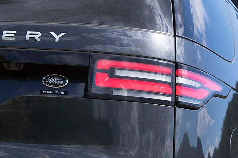 新型ディスカバリーは先進技術満載でレンジローバーに迫る性能を手に入れた