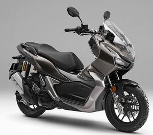 市街地を軽快に駆け抜け、悪路走破性も追求したオールマイティスクーター、ホンダ「ADV150」