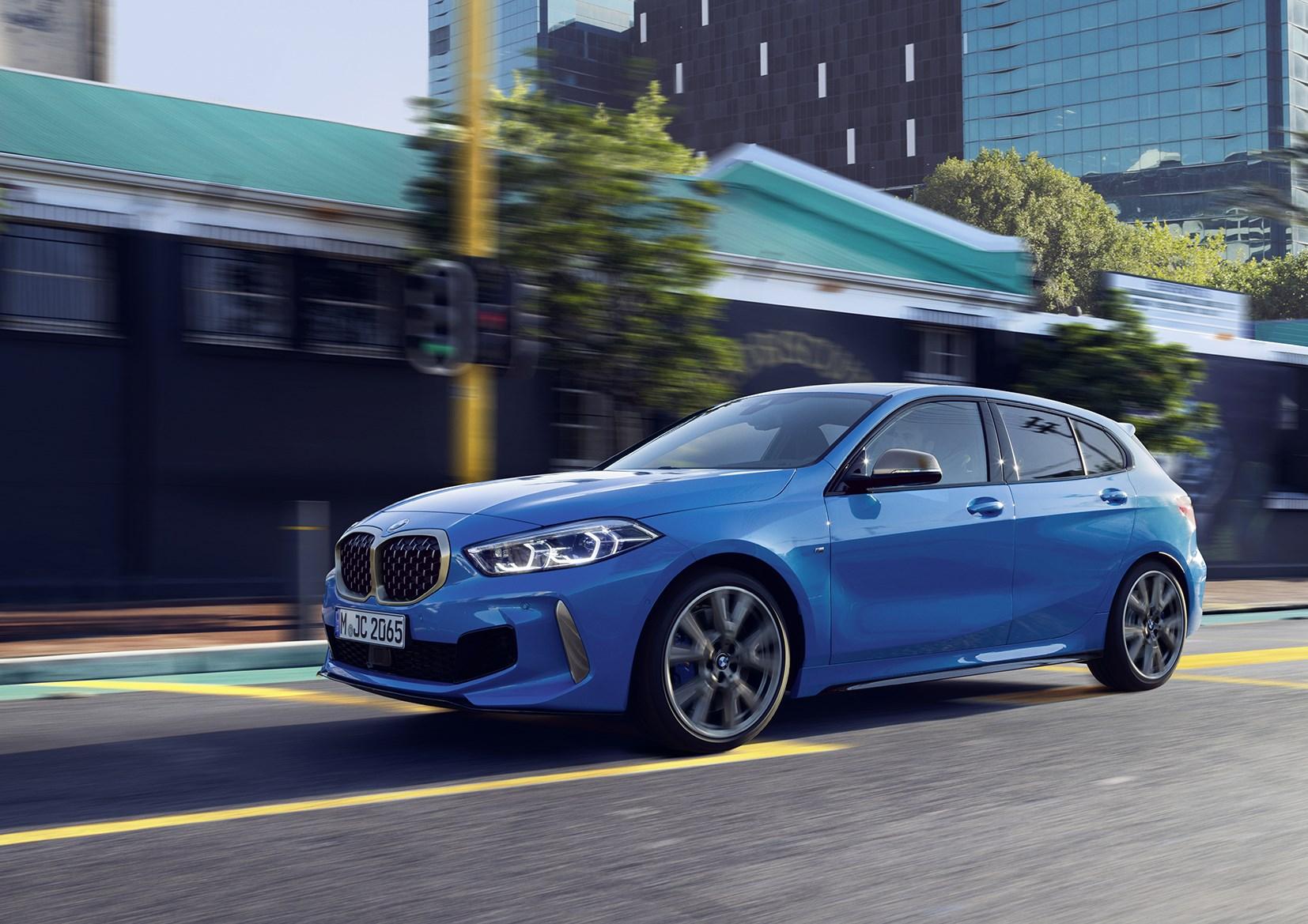 独BMW、今春に1シリーズ、3シリーズにそれぞれ2リッターの新エンジンを設定