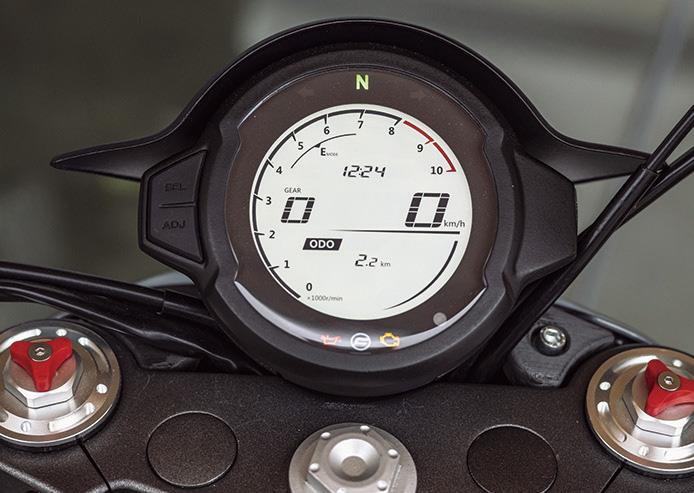 CFMOTO 700CL-Xシリーズはイタリアデザインのネオクラパッケージ
