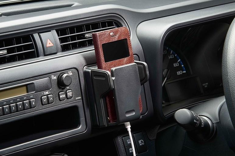 プロボックスにハイブリッド車と自動ブレーキ追加。はたらく車も燃費と安全が大事