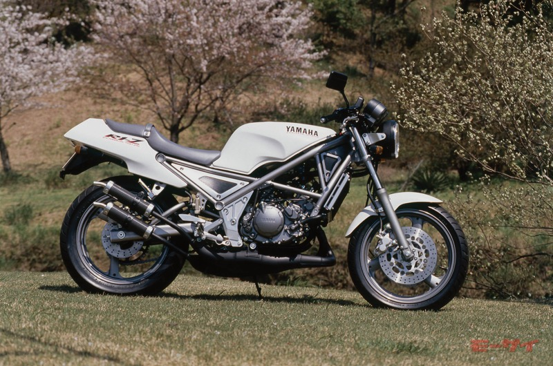 80~90年代のチョイ古な250ネイキッドバイクが人気再燃!? 4気筒や2ストなど選び方は様々