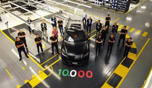 ランボルギーニ史上最多・最速! ウルスが生産台数1万台を達成!