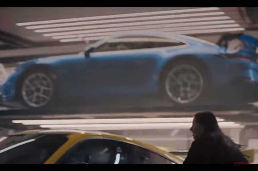 【3月ジュネーブ発表か】次期ポルシェ911 GT3 スタイリングが明らかに スーパーボウルの広告で