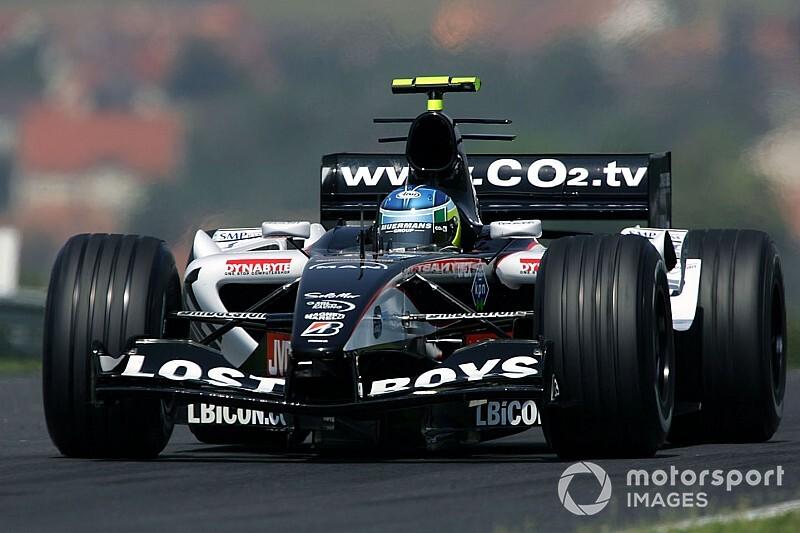 """F1ドライバーになりたい……15年前の夏、ひとりの""""おじさん""""が夢を叶えた仰天ストーリー"""