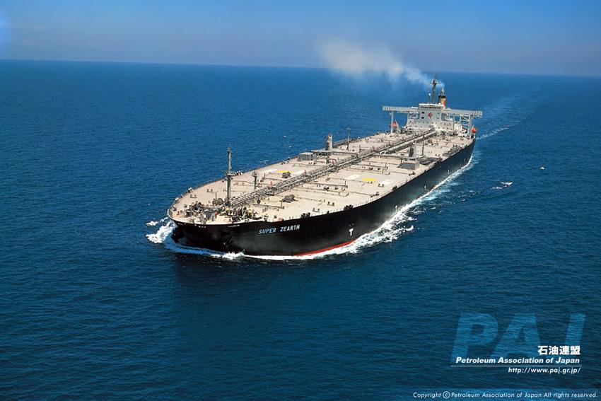 内燃エンジンを支える石油、ガソリンを考える
