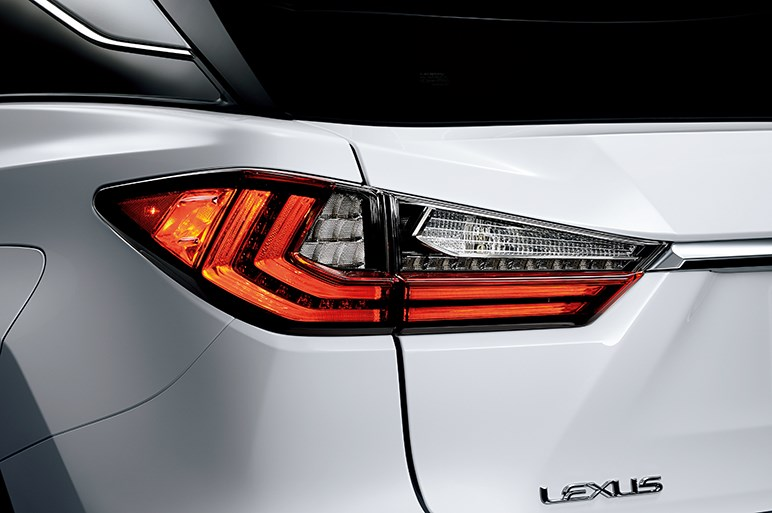 レクサスRXがフルモデルチェンジ! 直噴ターボ搭載&価格は495万円~