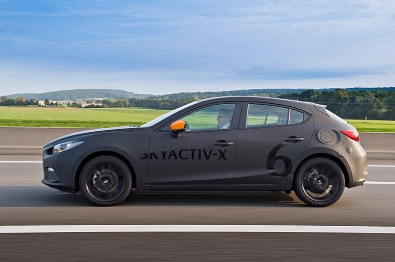 世界が注目する革命的エンジン「スカイアクティブX」の凄みはどこにある?