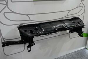 ヴァレオ:材料置換でボルスターを軽量化