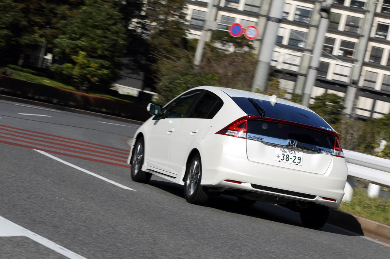ホンダ・ZE2/3型後期インサイト(2011年10月~2014年3月)|中古車選びに役立つ「当時モノ」新車試乗記