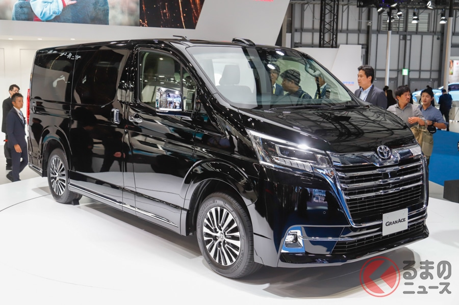トヨタ新型「グランエース」は620万円から! アルヴェルとは違う道を行く送迎需要の行方とは