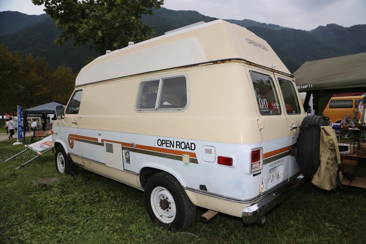 アウトドアにピッタリだけど、オートキャンプ場では見かけない珍車・旧車6選