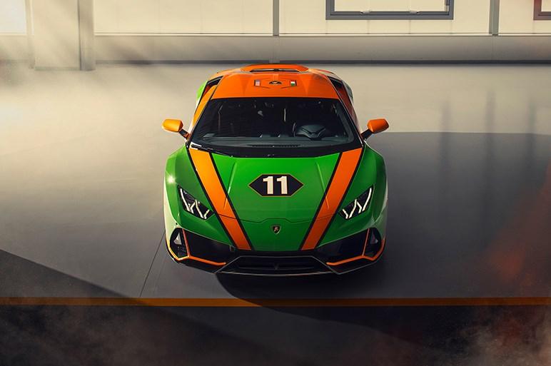 ランボルギーニ、アヴェンタドールとウラカンの限定モデルを披露