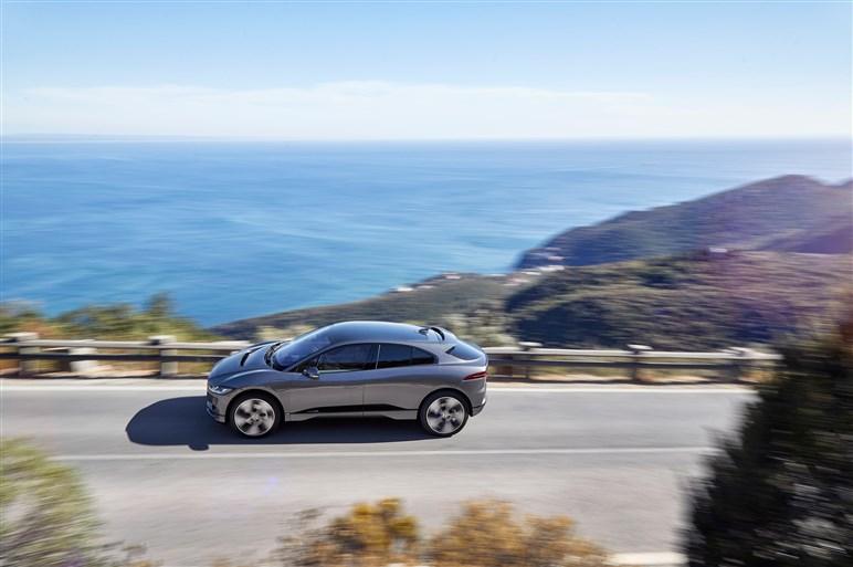 ジャガー初の電気SUV I-PACEを投入へ。価格は約925万円から