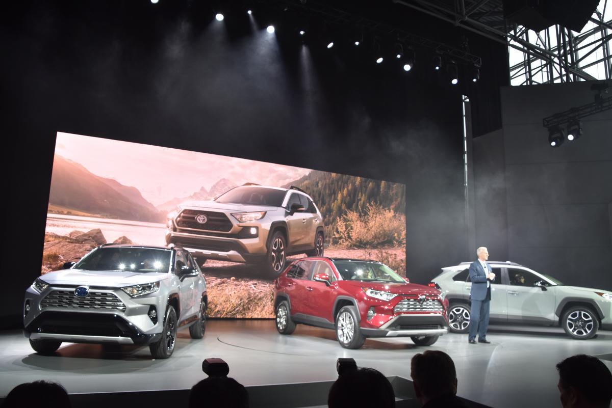 日本にも2019年導入! 新型トヨタRAV4は2.5Lのガソリンとハイブリッドで展開