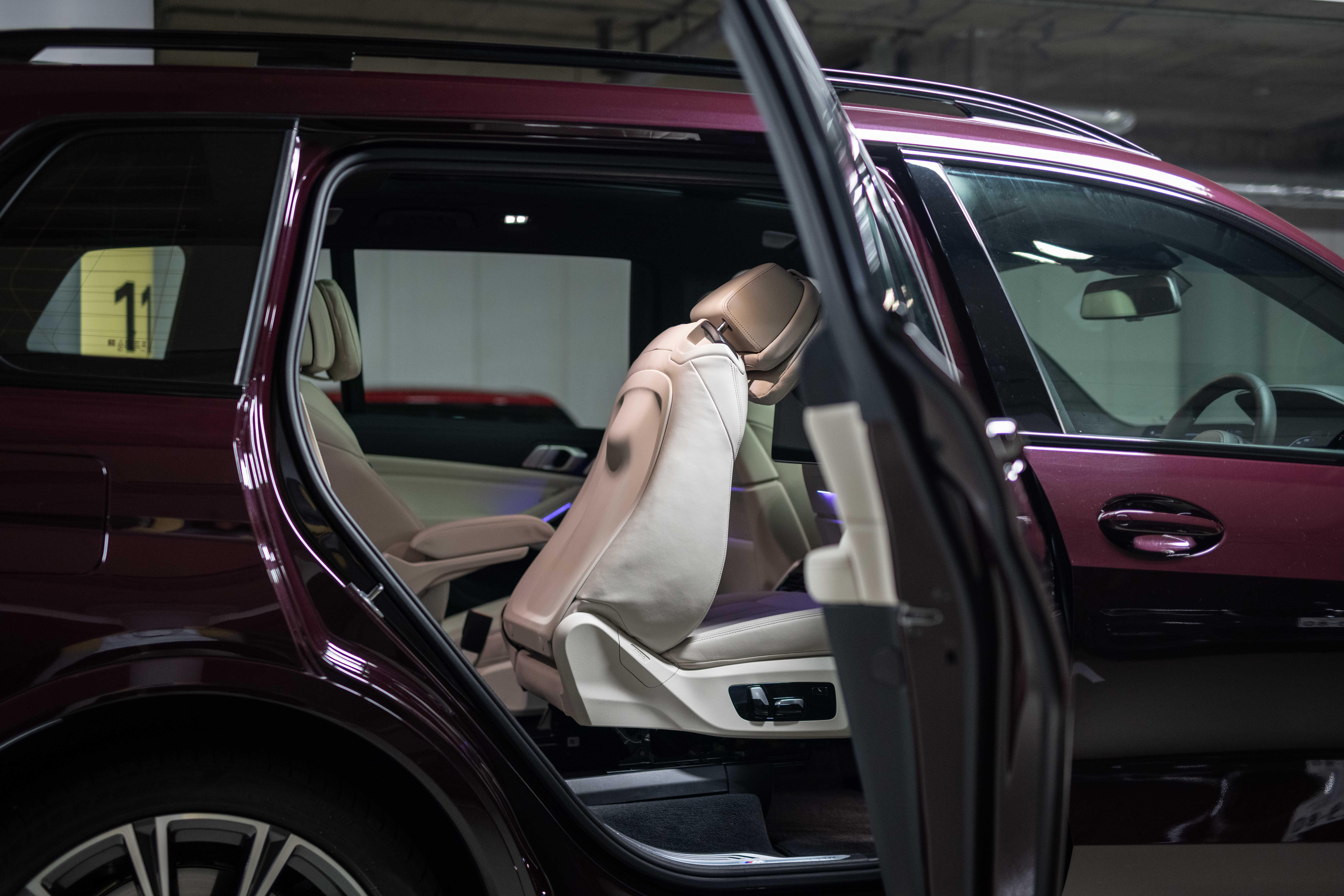 デカイ! 速い! 迫力満点! BMW X7 M50i試乗記