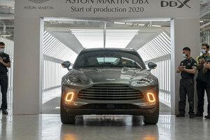 【遂にラインオフ】アストン マーティンDBX 2000台を受注 新工場で生産開始 7月から納車へ