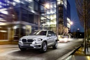 BMW、X5のPHV版をNYショーに出展