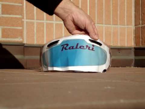 調光機能&曇り止めの効果を持つ、ヘルメットシールド用インサートが優れモノの予感! イタリアで生まれた「ラレリー」とは?