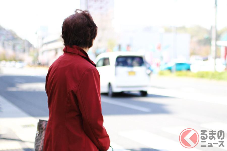 「人が見えないの?」歩行者いる横断歩道前で車がほぼ一時停止しない理由とは