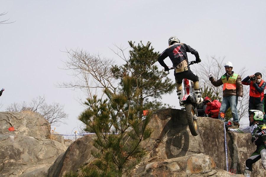 海外レースにいってみよう! ニッチな職業バイクタレントが観戦までの道のりをレポート!~中編~
