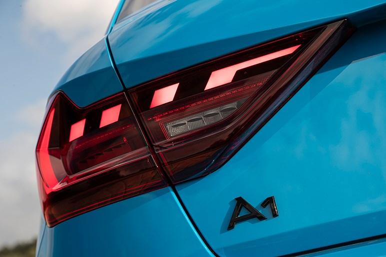 新型アウディA1は旧モデルから大幅進化。今度こそミニと戦えるか?