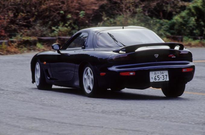 燃料計が動いて見えるほど大ガス喰い……でも楽しすぎる走り屋泣かせの国産スポーツ車5選