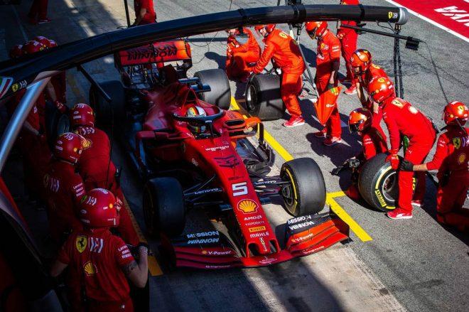 ルノーF1のプロスト、フェラーリの方針に理解。「自由に戦わせることは必ずしもベストではない」