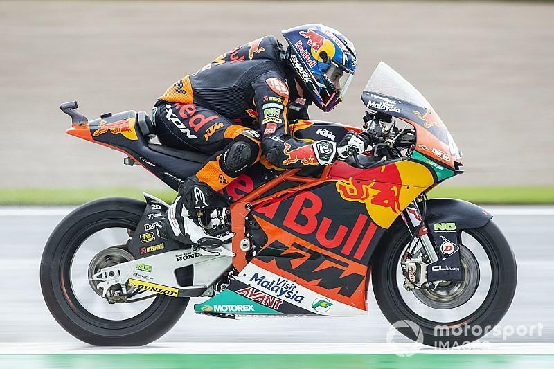 Moto2バレンシア決勝:転倒続出、波乱のレースをオリベイラが独走で制す
