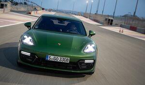 「GTS」はポルシェ栄光の証──4ドアスポーツのパナメーラに初めて設定したGTSに試乗