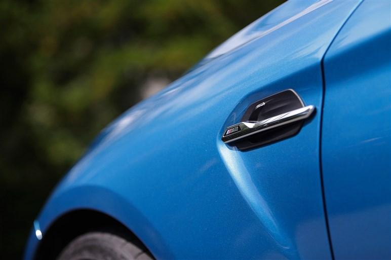 E46型M3ファン垂涎の「BMW M2クーペ」に試乗。ドライビングに死角は?