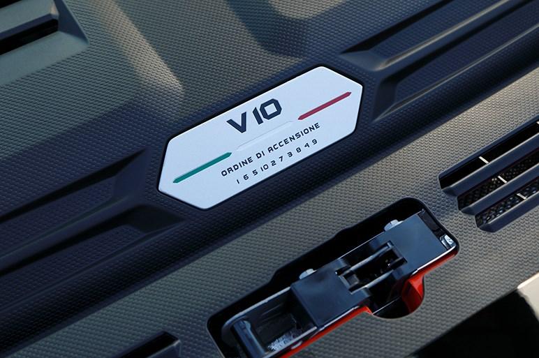 ランボルギーニ「ウラカン EVO」試乗。クルマっていいなと感じさせてくれる憧れを叶えてくれるモデル