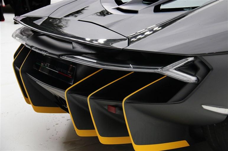 約2億円&限定40台のランボルギーニ・チェンテナリオがアジア初公開