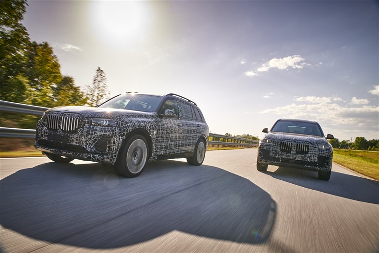 BMW初のフルサイズSUV「X7」のプロトタイプに試乗した