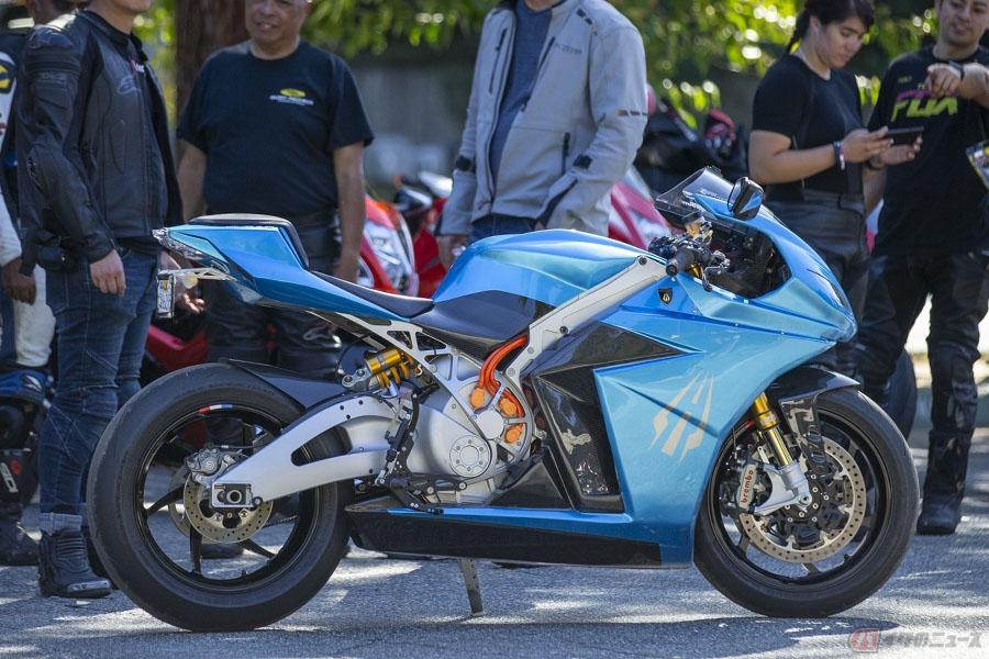 最速の量産電動バイク製造メーカー Lightning Motorcycles が手掛ける「STRIKE」とは