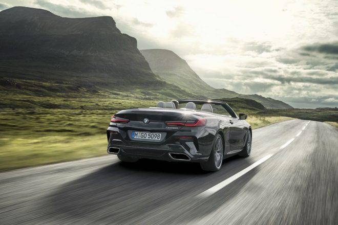 50km/h以下で開閉15秒。新型『BMW 8シリーズ』に美麗なカブリオレ登場